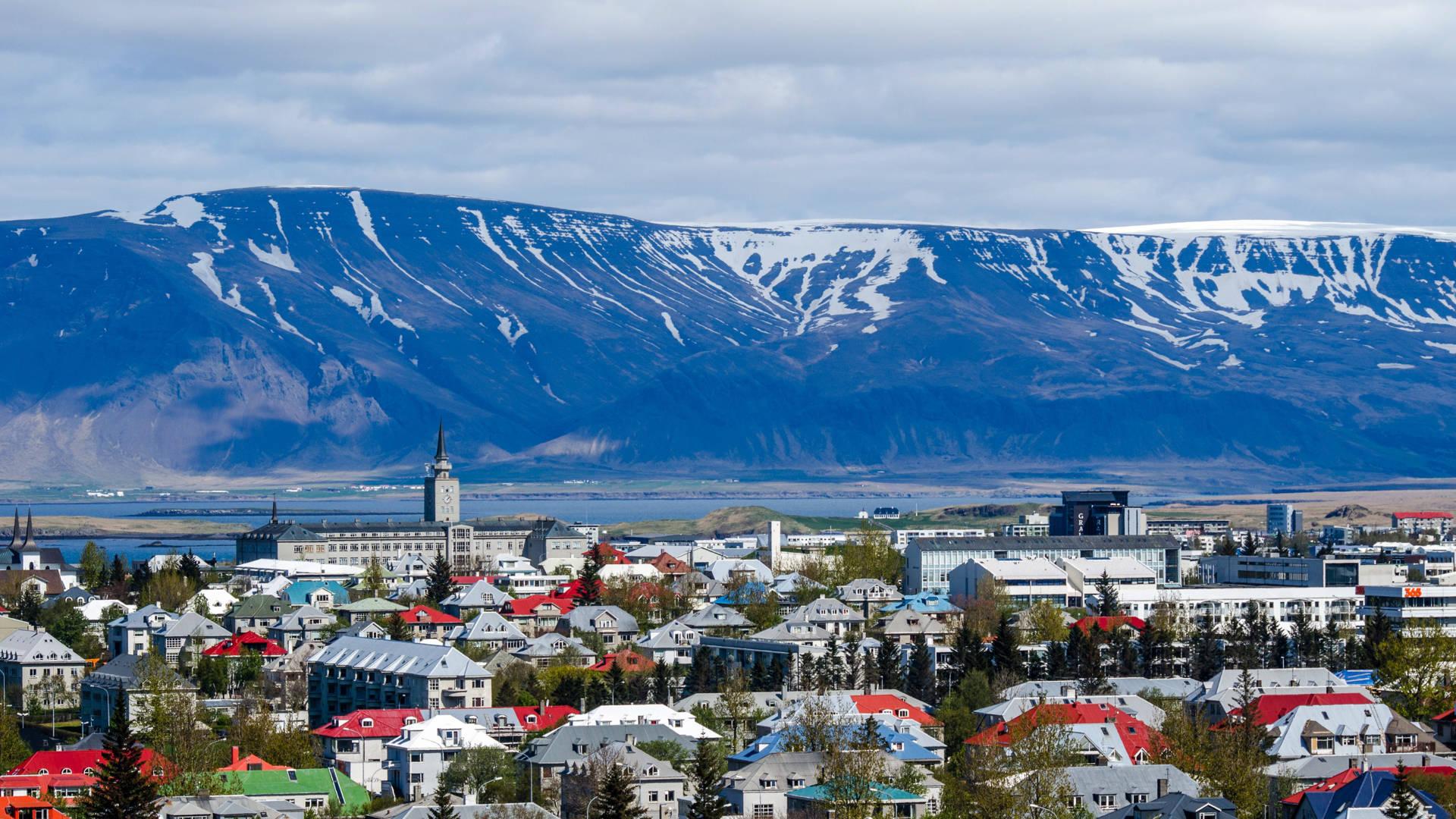 iceland reyjkavik church epic beautiful colorful