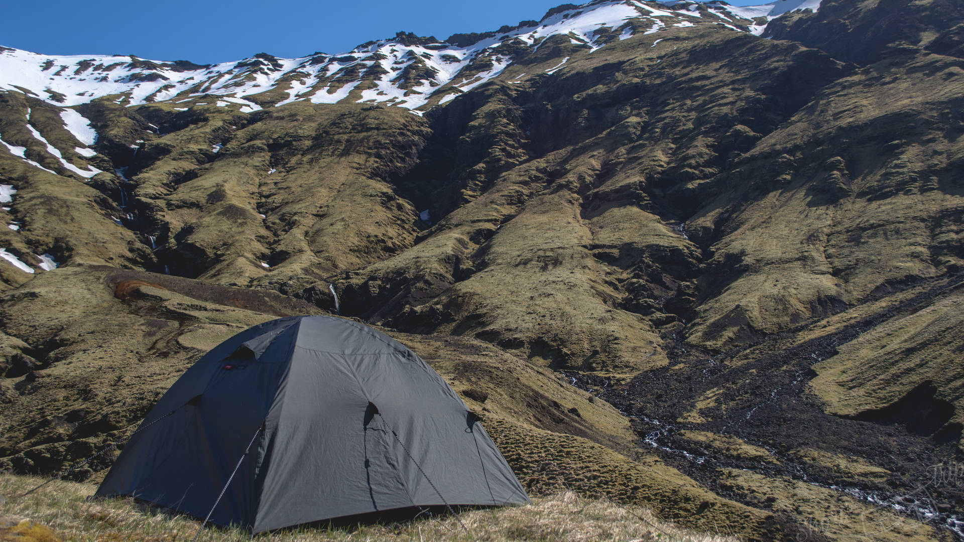 tent iceland, iceland camping, iceland sleeping in tent, iceland on budget, iceland cheap
