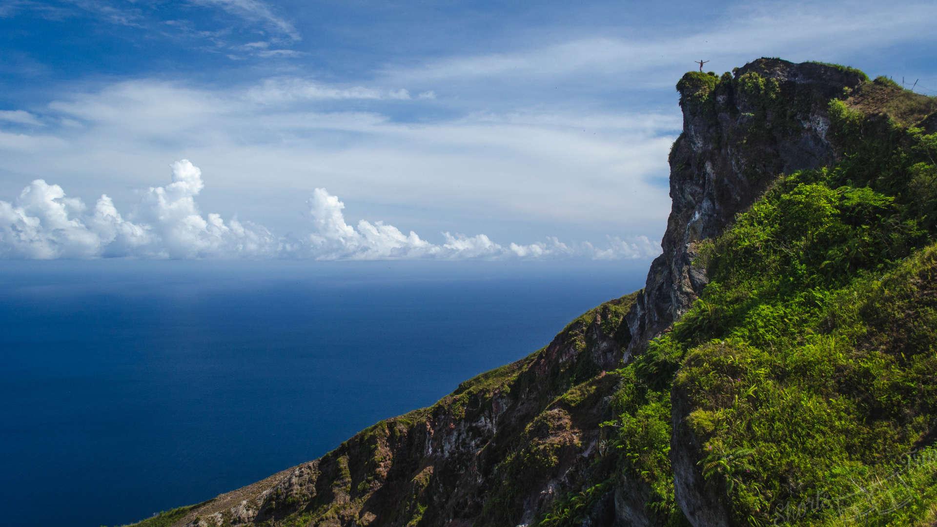 pulau api, island api, banda islands, banda volcano, how to climb api