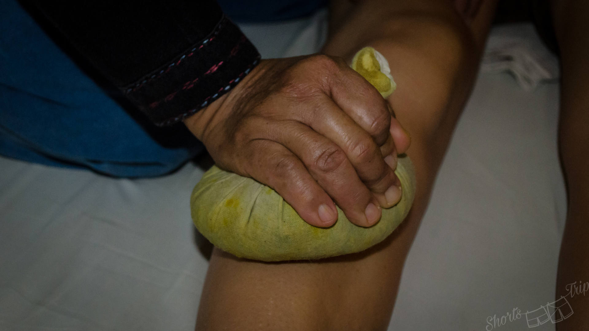 thai herbs ball, thai herbs ball massage