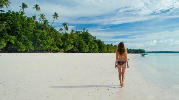kei islands, pasir panjang, pasir panjang bule girl, pasir panjang kei, tropical paradise beach
