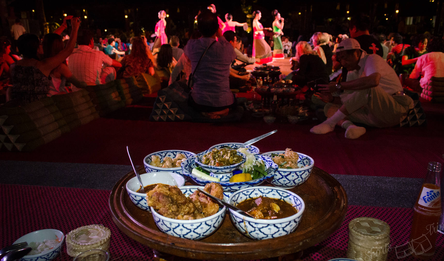 khantoke dinner, khantoke food, khantoke food performance
