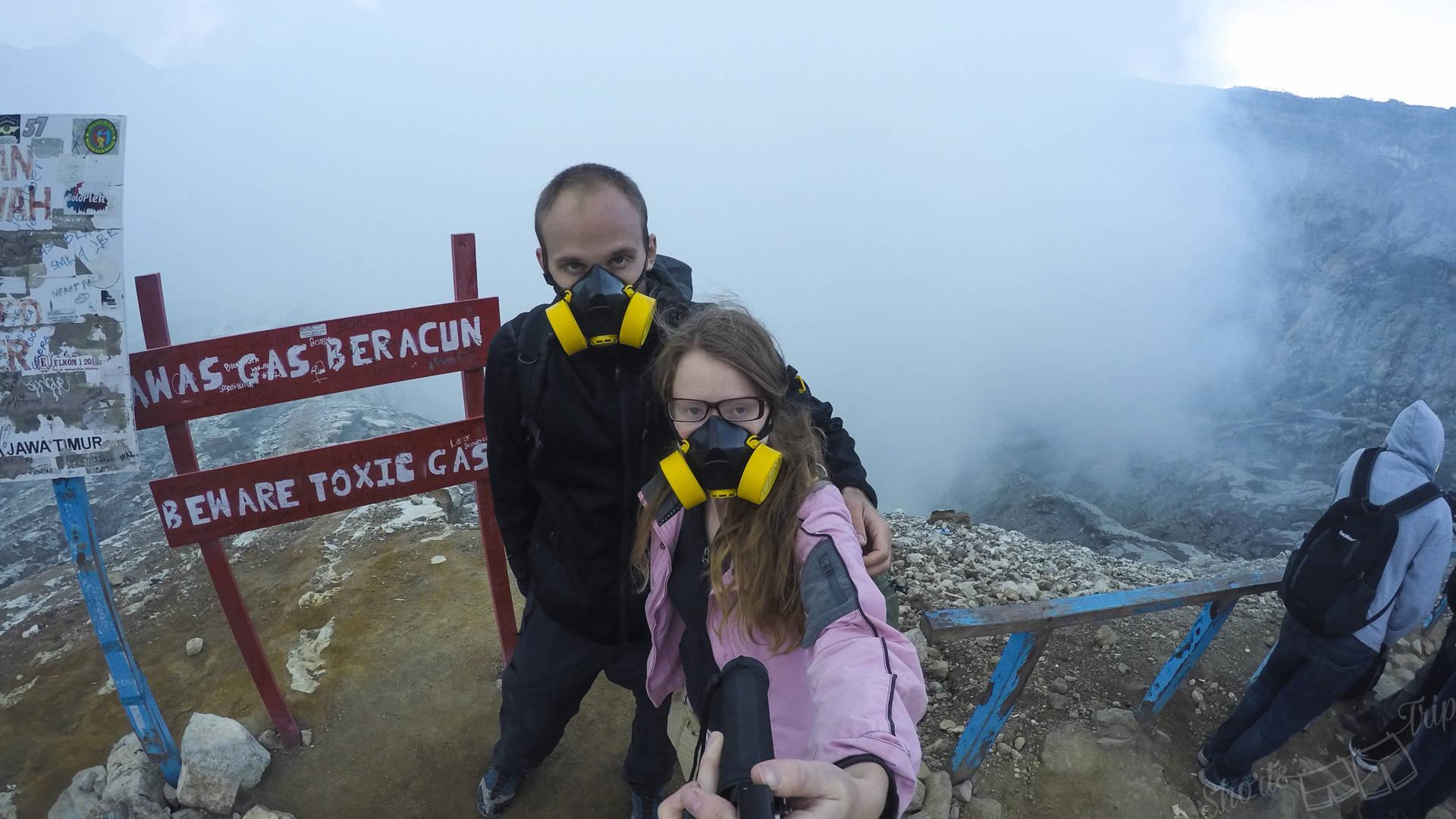 ijen, ijen volcano, ijen masks, ijen warning sign, ijen warning, ijen fumes, ijen indonesia, ijen at night, ijen on your own, ijen volcano hike