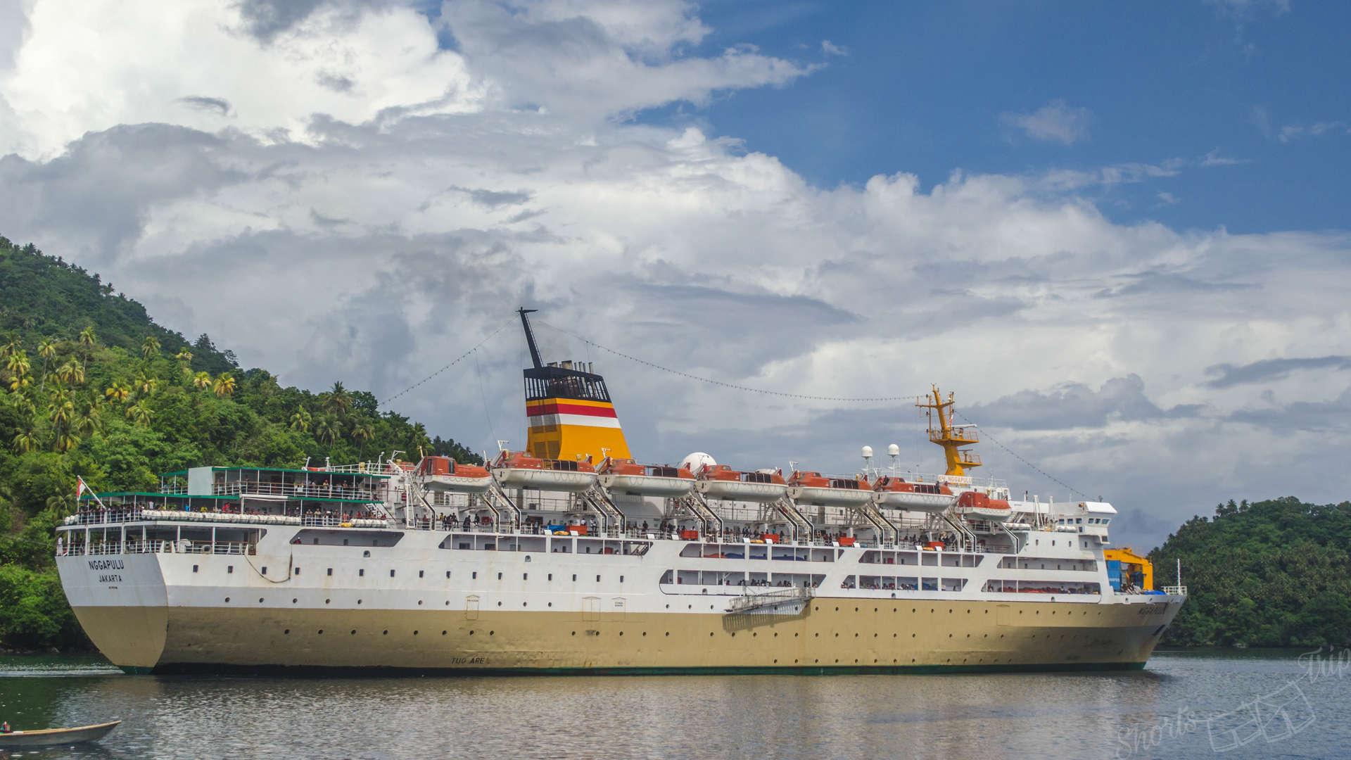 Pelni boat Ngapulluh, pelni experience, pelni bau-bau, pelni vessel, pelni boat, pelni ship