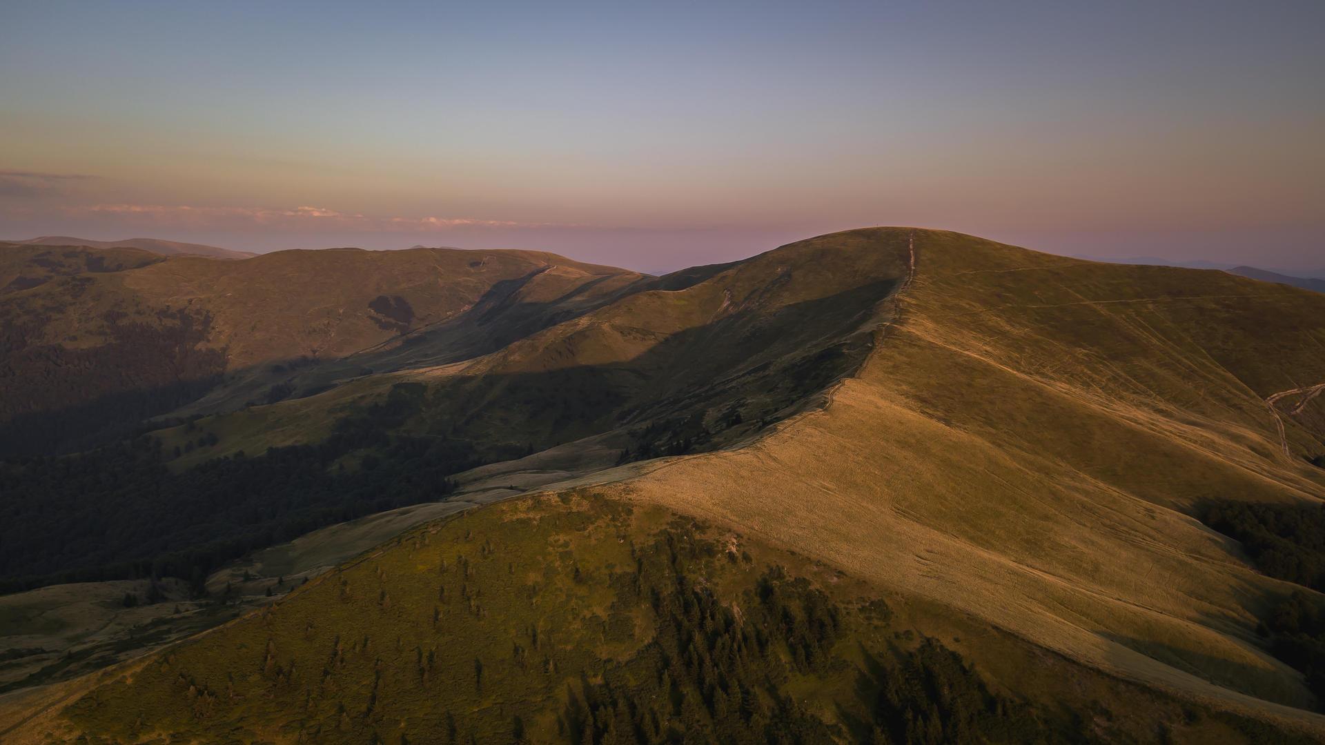 ridge svidovec, polonina svidovec, svidovec by mavic, ukrainian carpathians, carpathians svidovec