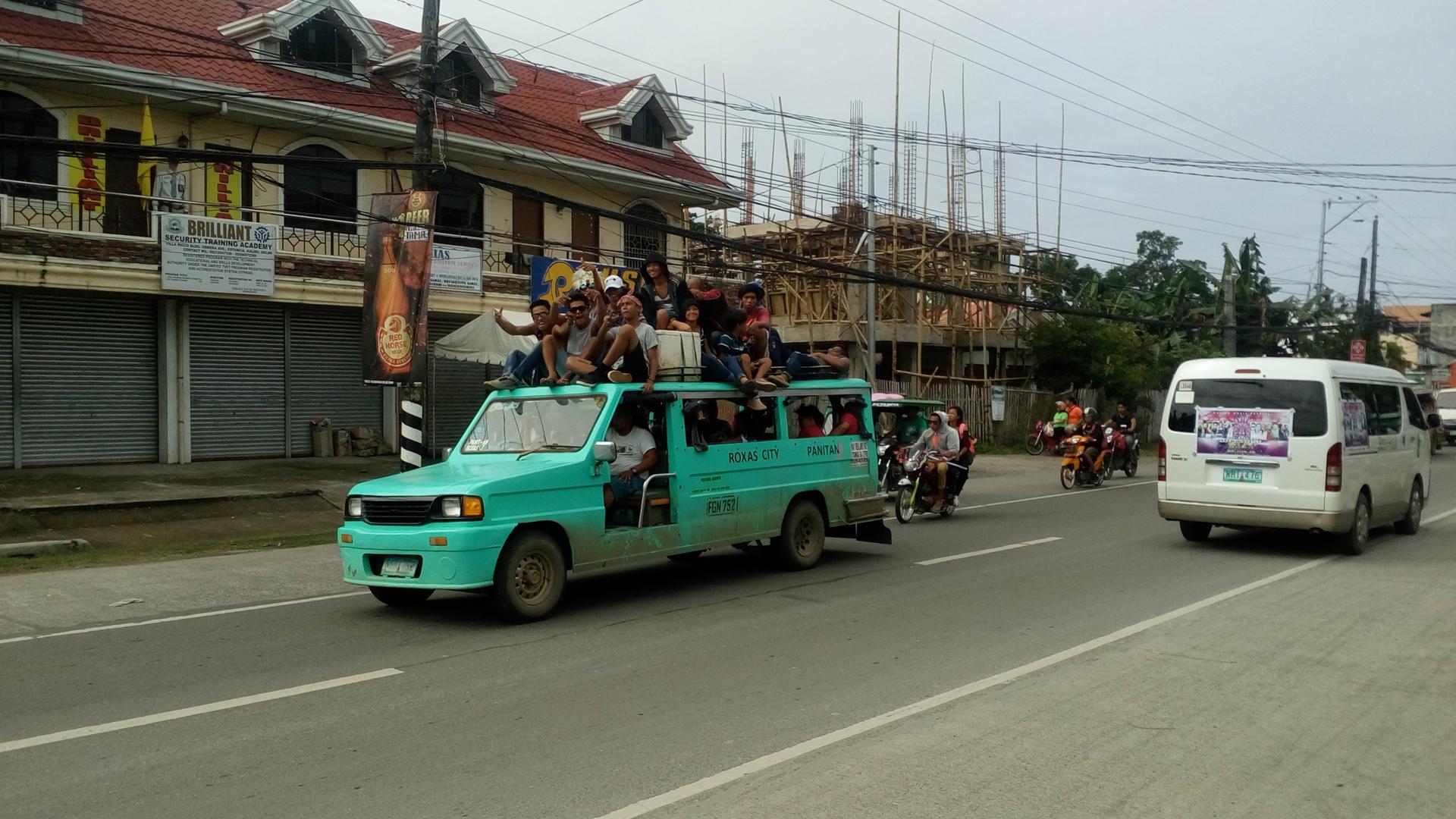 traveling philippines, crazy travel philippines