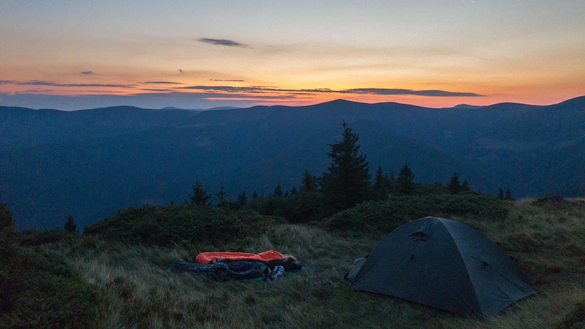 svidovec sunrise, ridge svidovec, camping at svidovec, tent svidovec