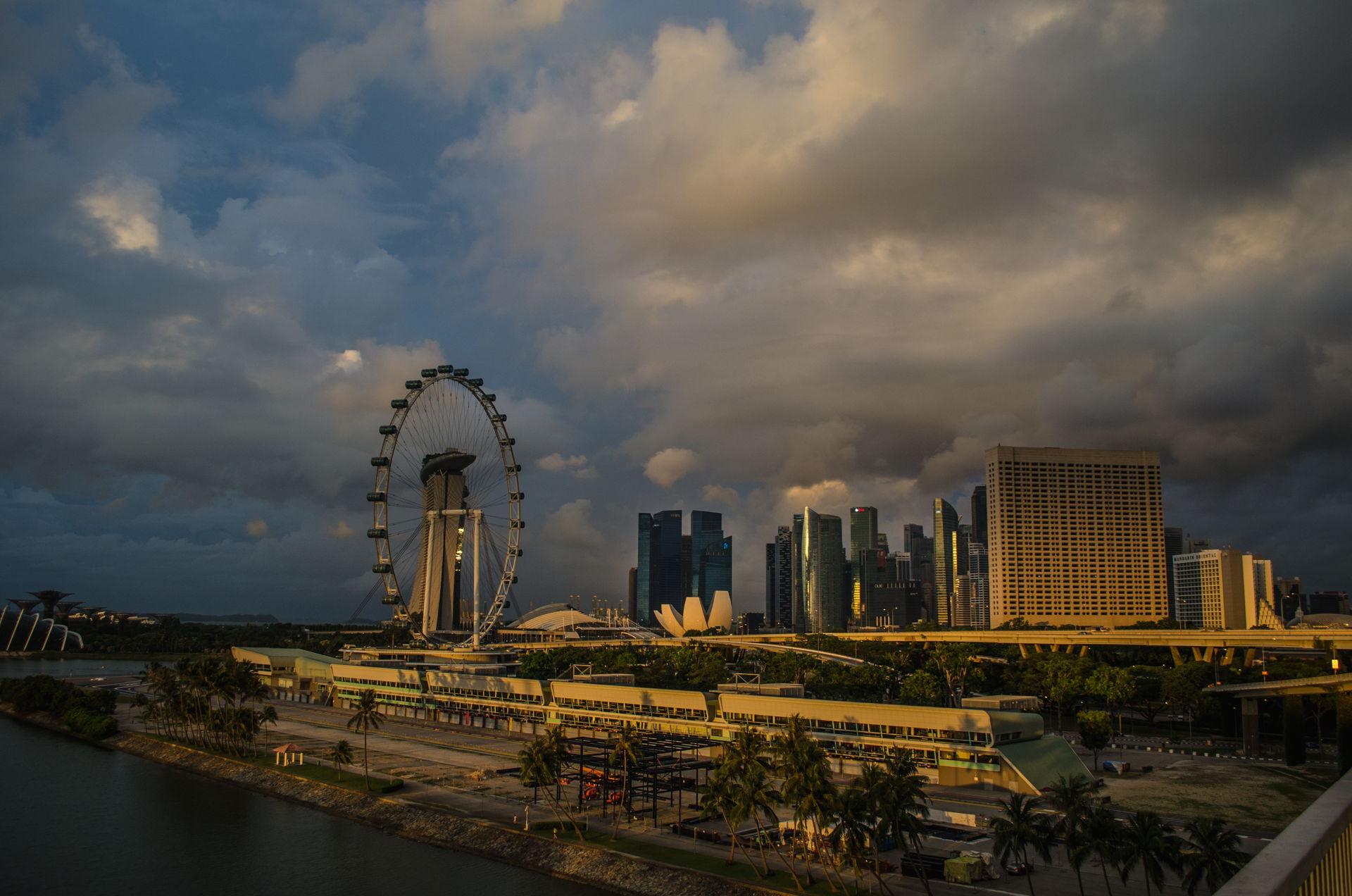 Singapore, singapore downtown, singapore amazing, singapore sunrise, best picture of singapore, best singapore downtown picture, sunrise, sunrise singapore, sunrise singapore downtown, sunrise flyer singapore, where to fly drone at singapore, singapore drone guidelines, best drone places singapore, singapore laws, singapore regulations