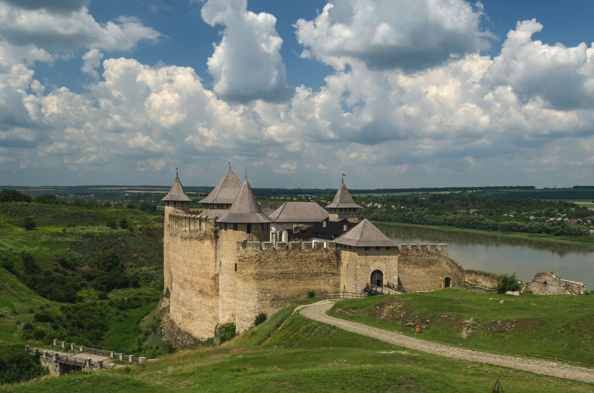 khotyn fortress, khotyn castle, seven wonders of ukraine, backpacking khotyn, how to get to khotyn, travel around ukraine, ukraine travel, drone khotyn, aerial view of khotyn, outer wall of khotyn, khotyn perimeter, khotyn travel, where to stay in khotyn, khotyn camping, khotyn wild camping