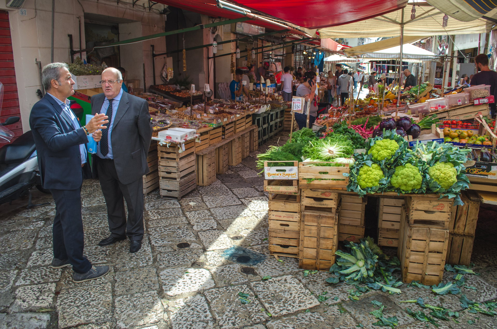 palermo, street market, market, sicily, best places to visit in sicily, italy, sicily, europe, travel, traveling sicily, where to stay in palermo