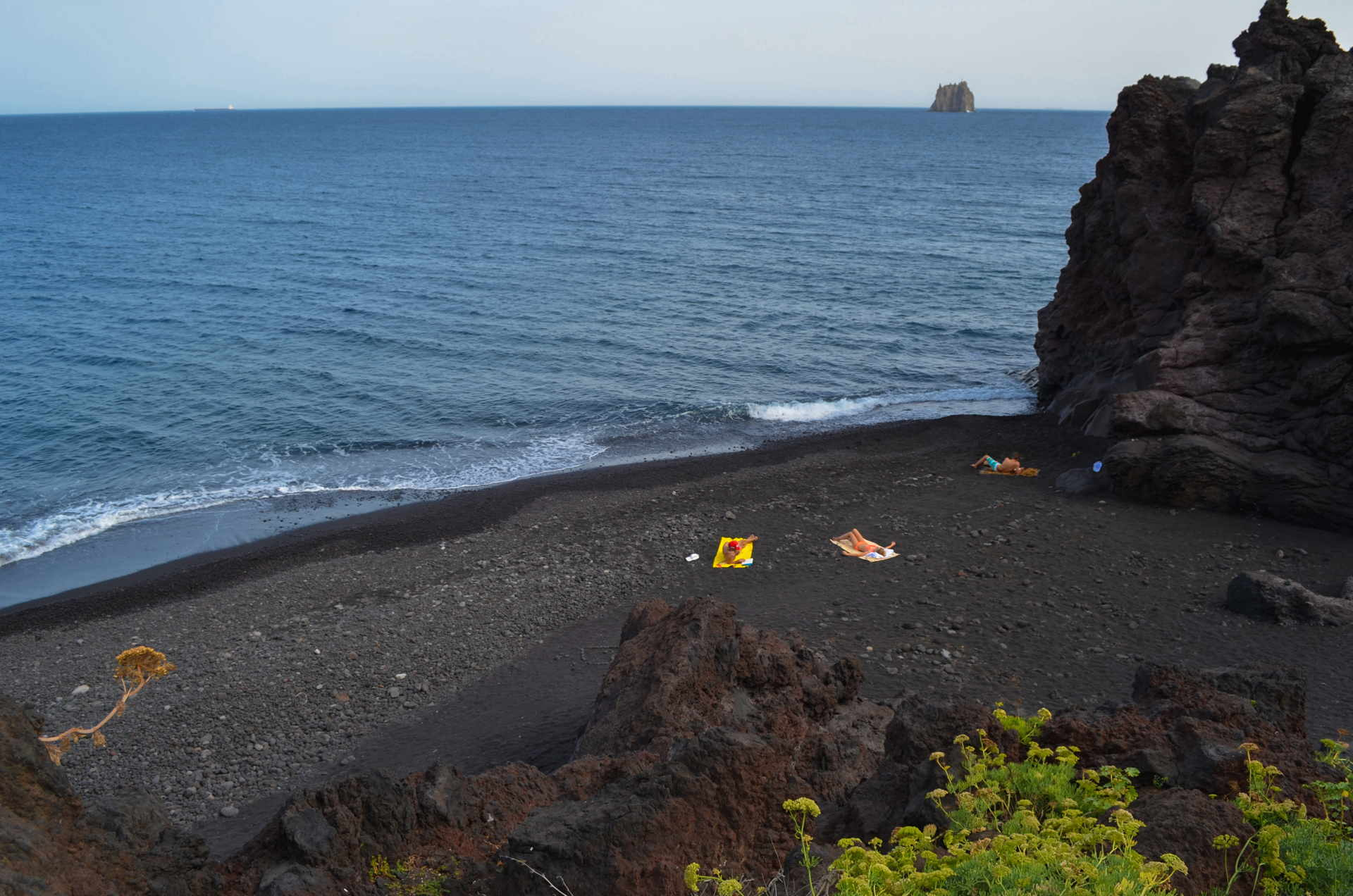 Grotta d'Eolo, stromboli beach, black sand beach stromboli, best beach of stromboli, stromboli travel, aeolian islands travel guide, cheap travel stromboli