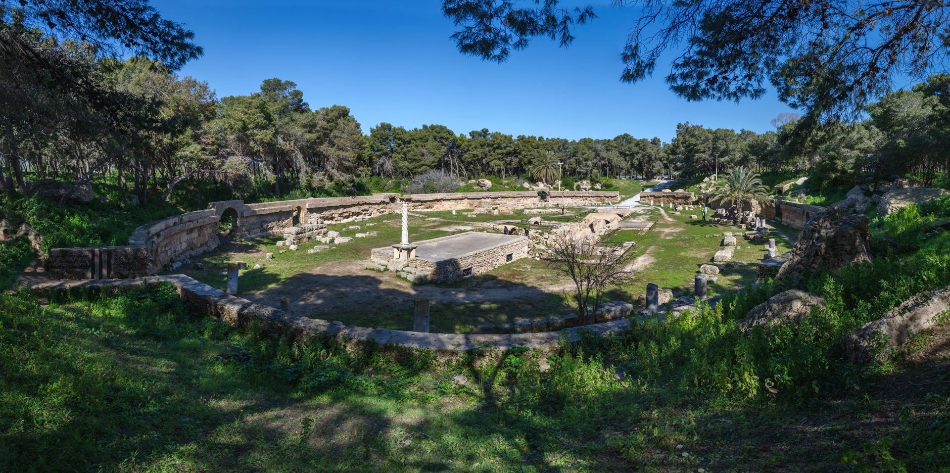amphitheater carthage, punic amphitheater, what to do in carthage tunisia, sightseeing carthage, punic civilization, backpacking tunisia, backpacking carthage, guide to carthage, how to visit carthage