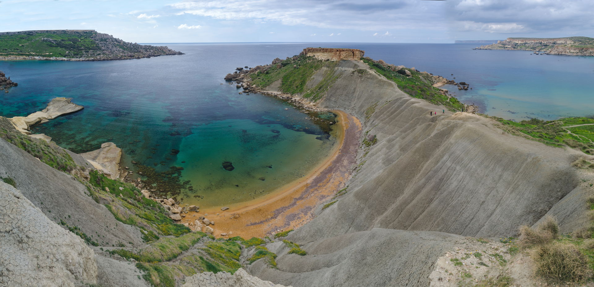 Għajn Tuffieħa, golden bay, ghajn tuffieha, malta best beach, malta golden bay, best beach of malta, Għajn Tuffieħa best beach, hiking Għajn Tuffieħa, hiking malta